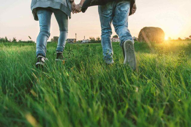 Genitori E Poi propone Percorsi di Accompagnamento, gruppi di confronto o di Mindfulness per coppie o singoli che si apprestano a diventare mamma o papà.
